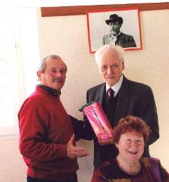Un cadeau offert à André au nom des Amis de Jean Aicard par le Dr Marmottans lors de son départ à Aix en Provence